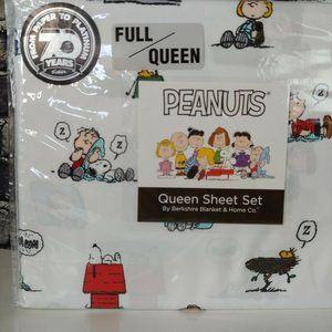 NEW Peanuts Snoopy Gang Berkshire Queen Sheet Set